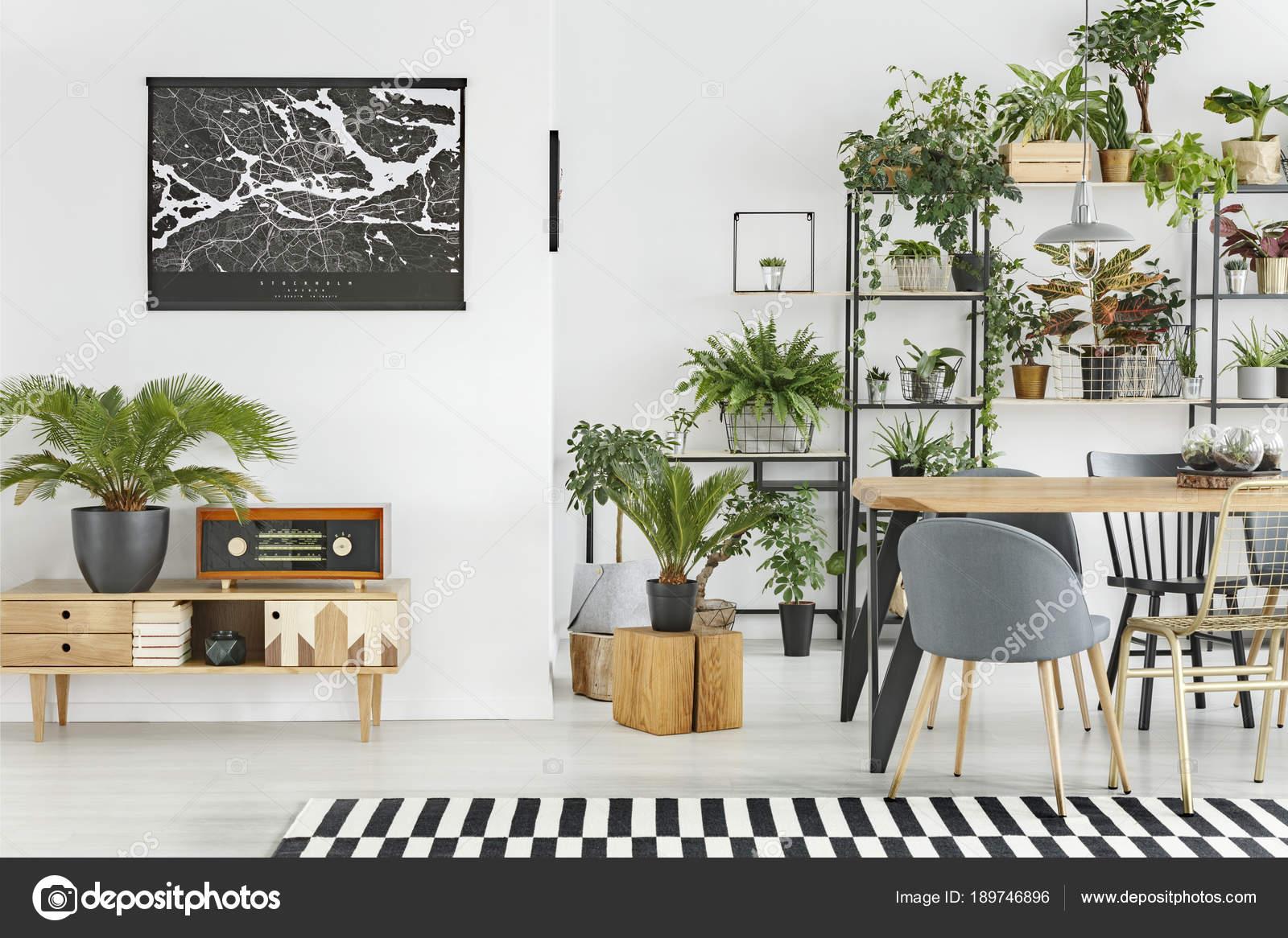 Botanische Esszimmer-Interieur — Stockfoto © photographee.eu #189746896