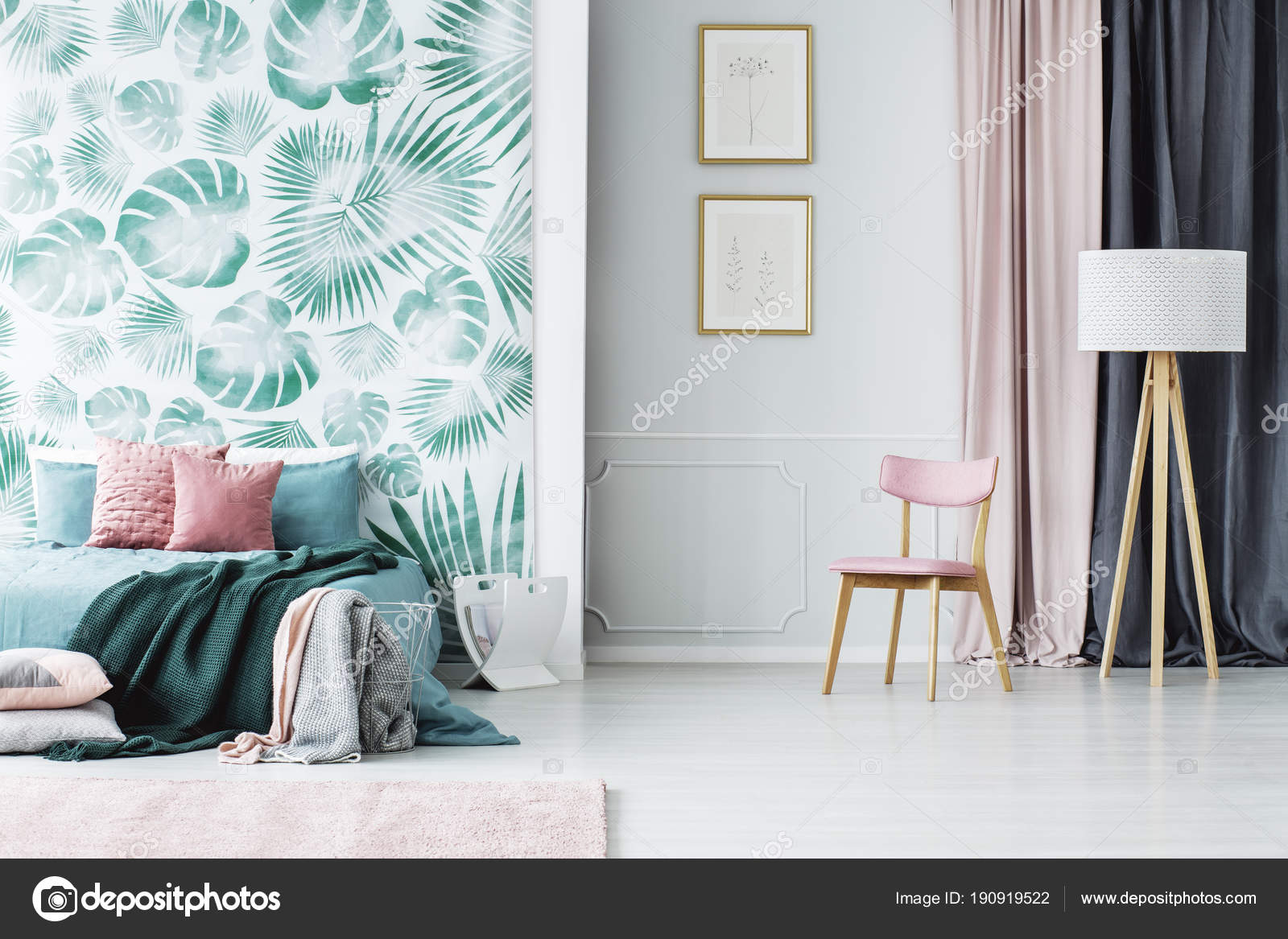 Interno camera da letto rosa e verde — Foto Stock © photographee.eu ...