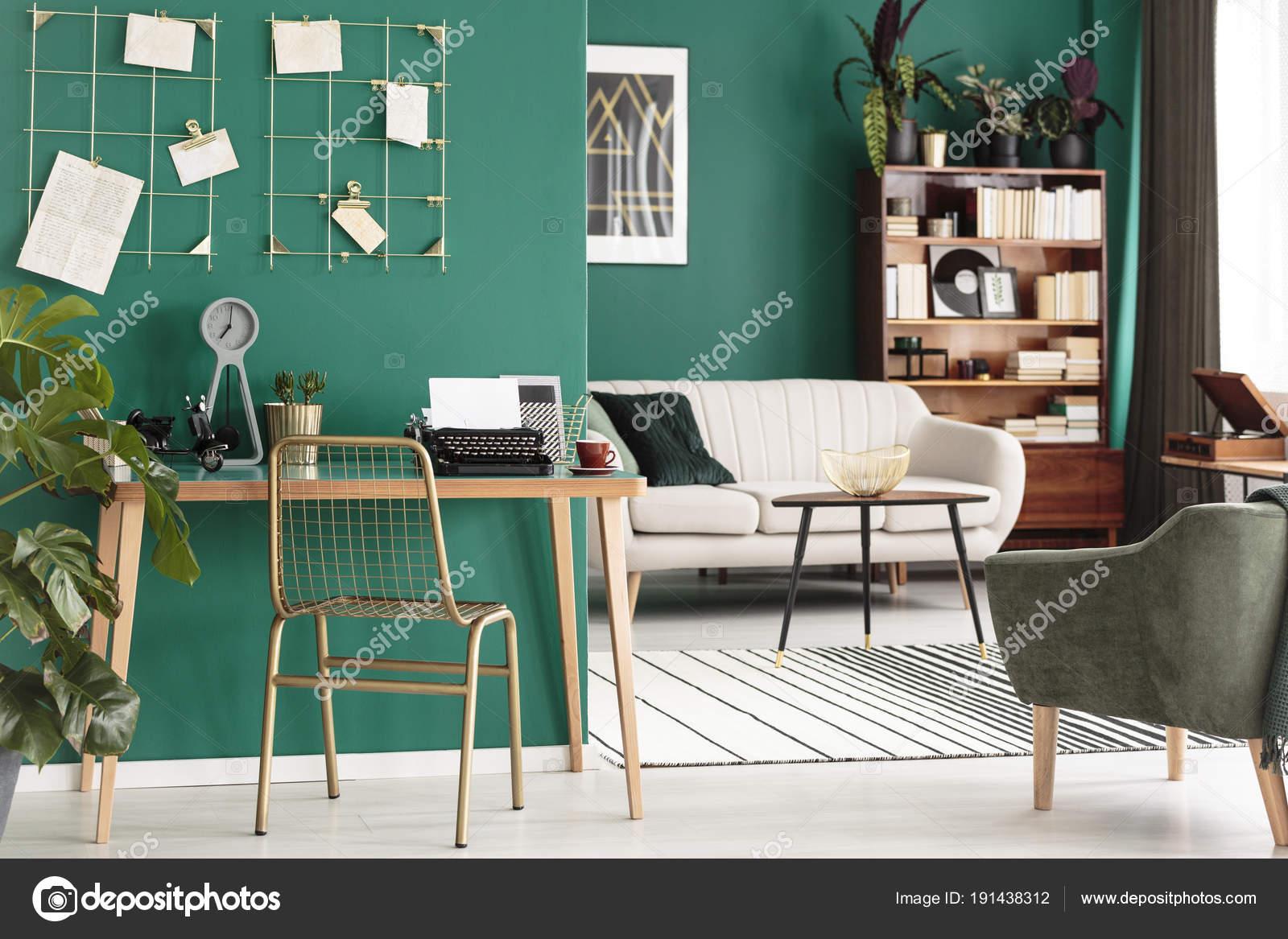 Design Bureau Woonkamer : Bureau in woonkamer u stockfoto photographee eu