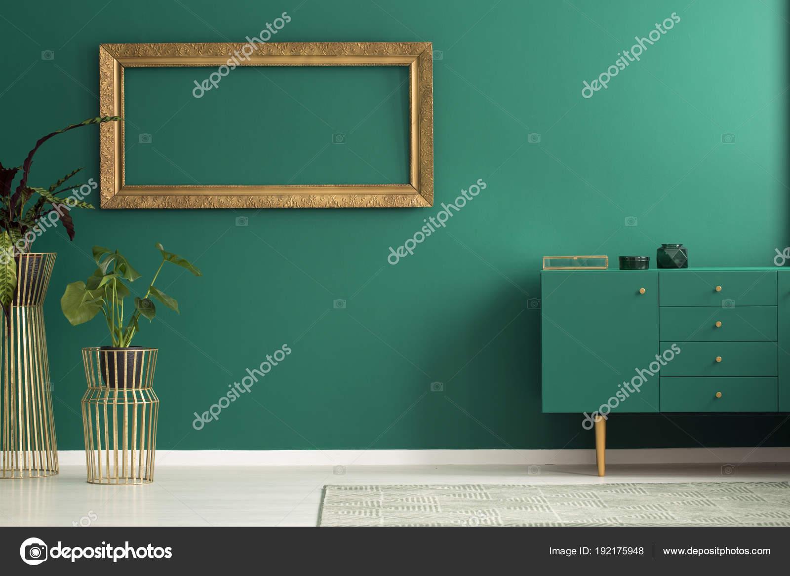 Eenvoudige Groene Woonkamer Interieur Stockfoto