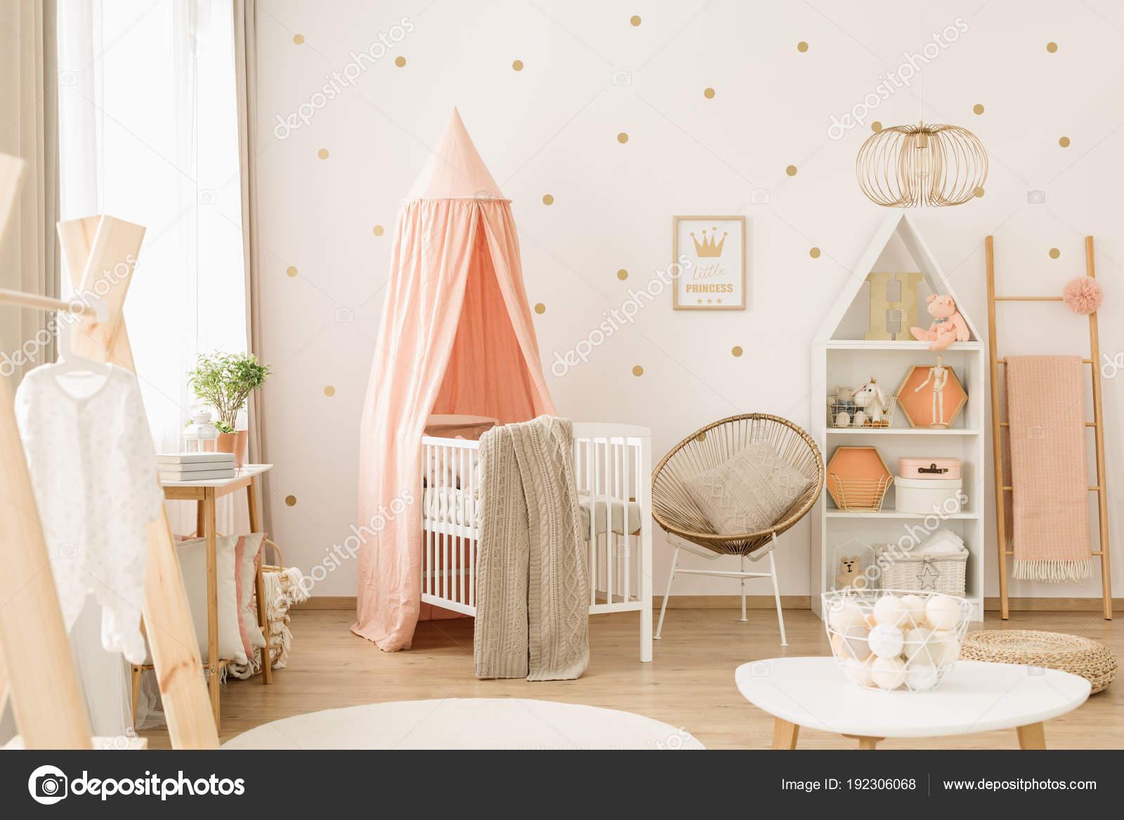 Niedlichen Pastell Rosa Kinderzimmer Stockfoto C Photographee Eu