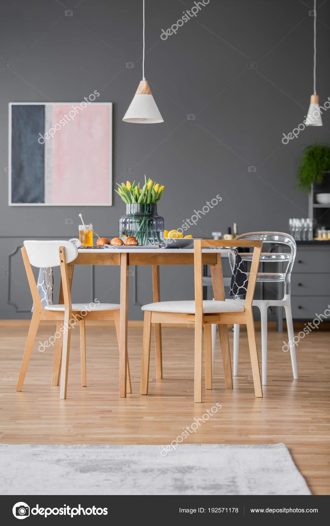 Moderne Esszimmerstühle Tisch Stockfoto Photographeeeu 192571178