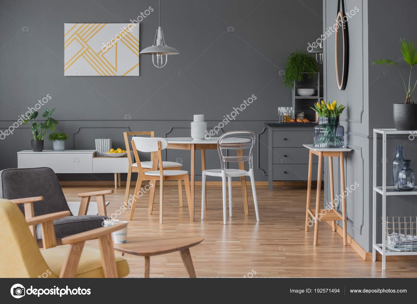 Diseño de interiores sala comedor simple — Fotos de Stock ...