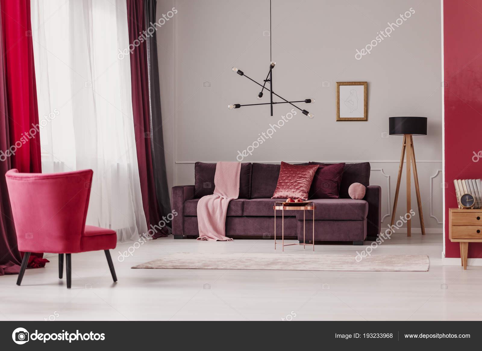 Paars Woonkamer Interieur : Rode stoel poster ruime woonkamer interieur met paarse bankstel