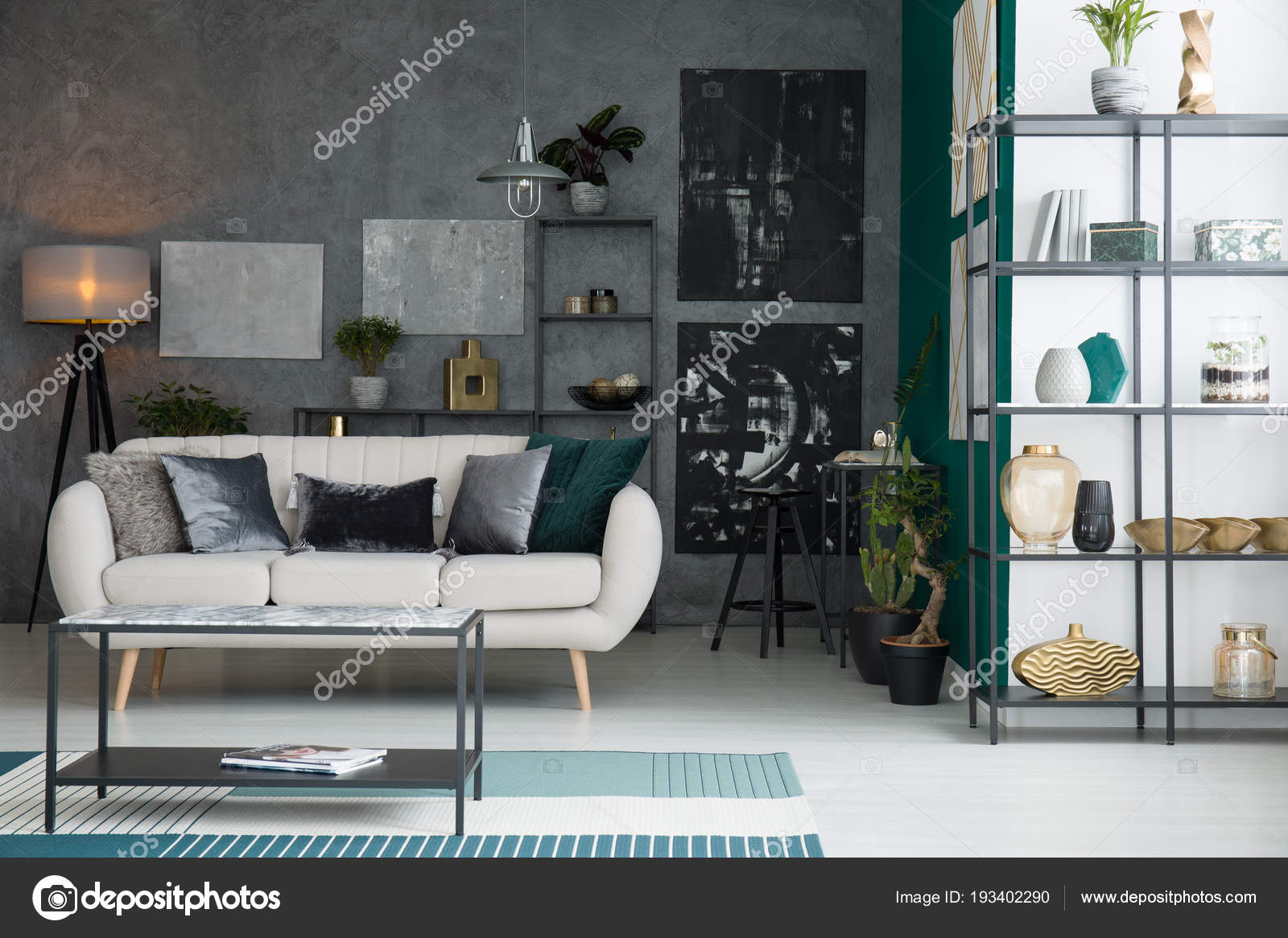 https://st3.depositphotos.com/2249091/19340/i/1600/depositphotos_193402290-stockafbeelding-zwarte-grijze-abstracte-schilderijen-opknoping.jpg