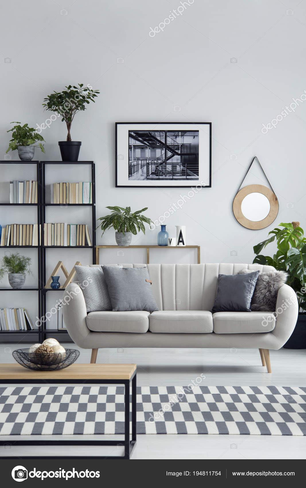 Schlichtes Design Wohnzimmer Interieur — Stockfoto © photographee.eu ...