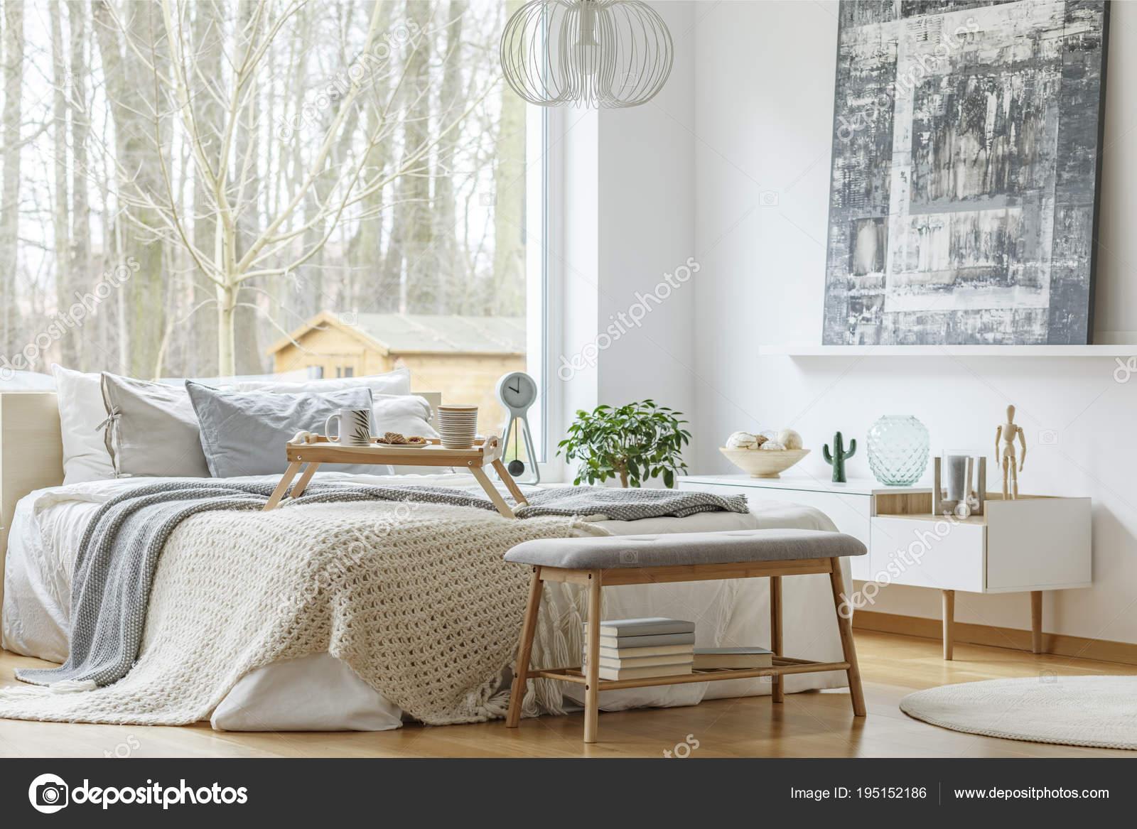 Pittura all\'interno della camera da letto moderna — Foto ...