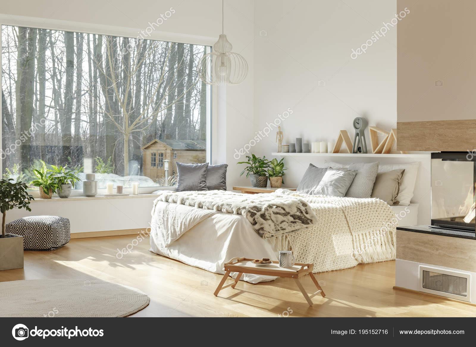 Liebenswert Schöne Einrichtung Ideen Von Gemütliches Hotel Innenraum Mit Einem Schönen Blick