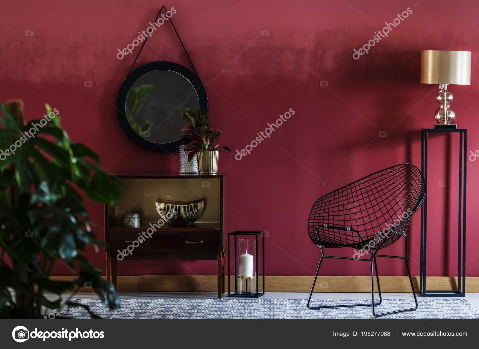 rot und schwarz-Wohnzimmer — Stockfoto © photographee.eu #195277088
