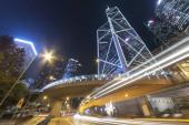 forgalom város központi kerület Hong Kong éjjel