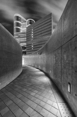"""Картина, постер, плакат, фотообои """"пустая современная пешеходная дорожка в центре гонконга """", артикул 342776448"""