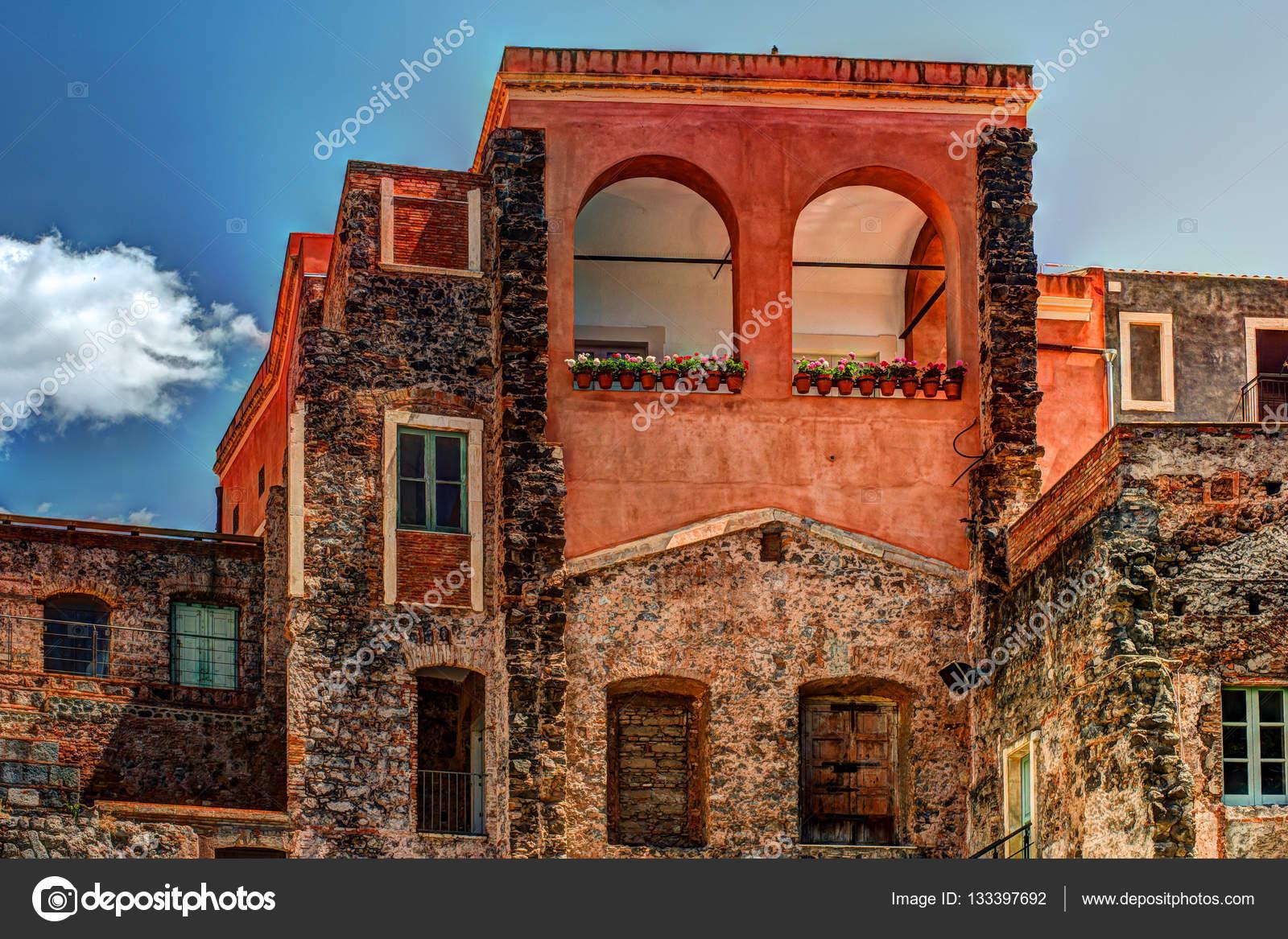 Belle Vue Sur Les Fa Ades Color Es De Vieilles Maisons En