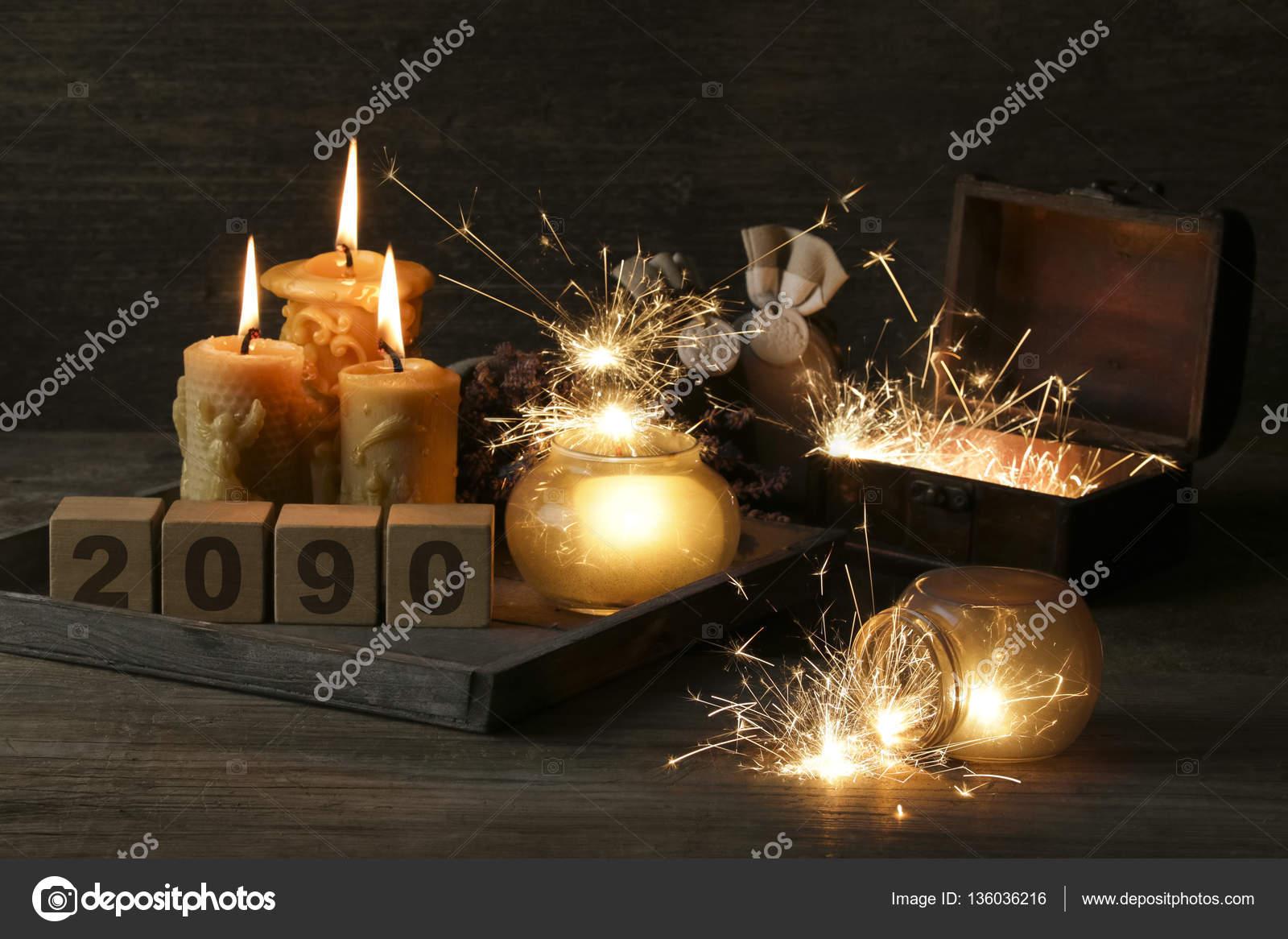 2090 en cubos sobre fondo de madera — Foto de inginsh