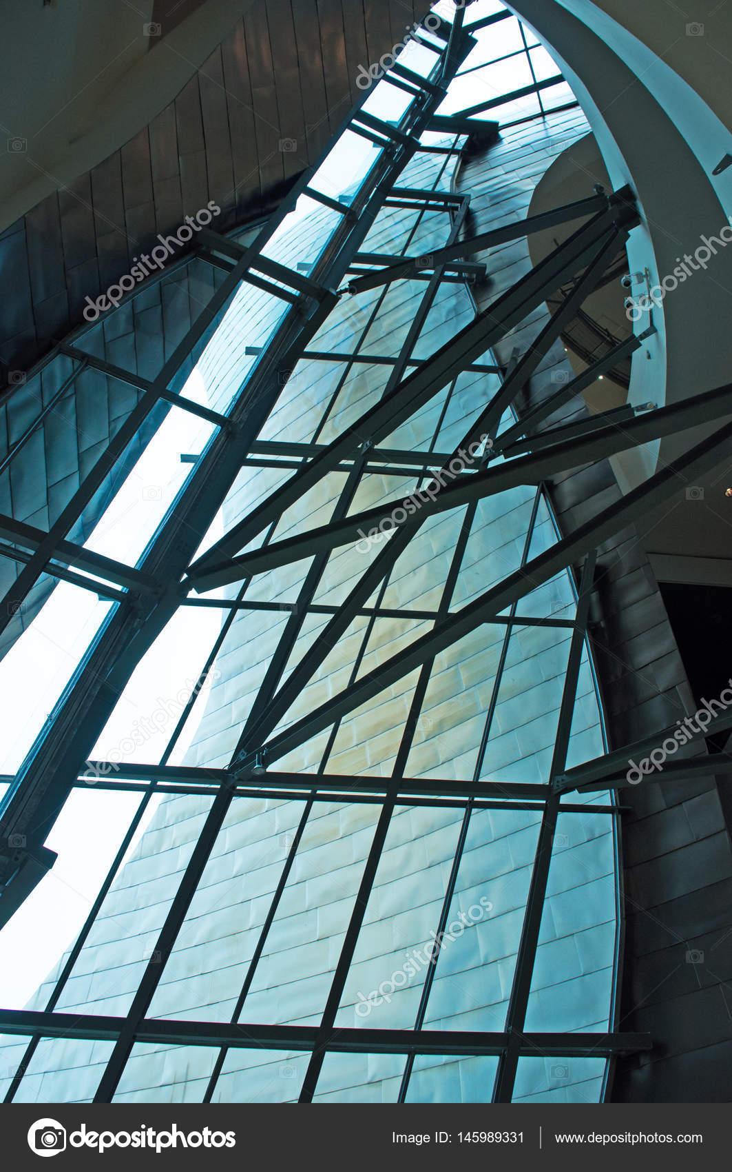 Spanien: das Interieur des Guggenheim Museum Bilbao, das Museum für ...
