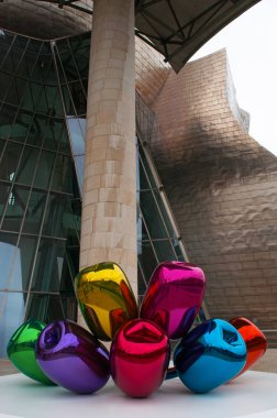 Spain: the Tulips, a bouquet of multicolor balloon flowers sculpture made by the artist Jeff Koons and located at the exterior of the Guggenheim Museum Bilbao