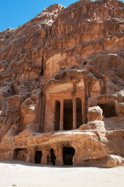 Petra Archeological Park, Beidah: Triclinium in Little Petra, known as Siq al-Barid, a Nabataean archaeological site with buildings carved into the walls of the sandstone canyons, north of Petra