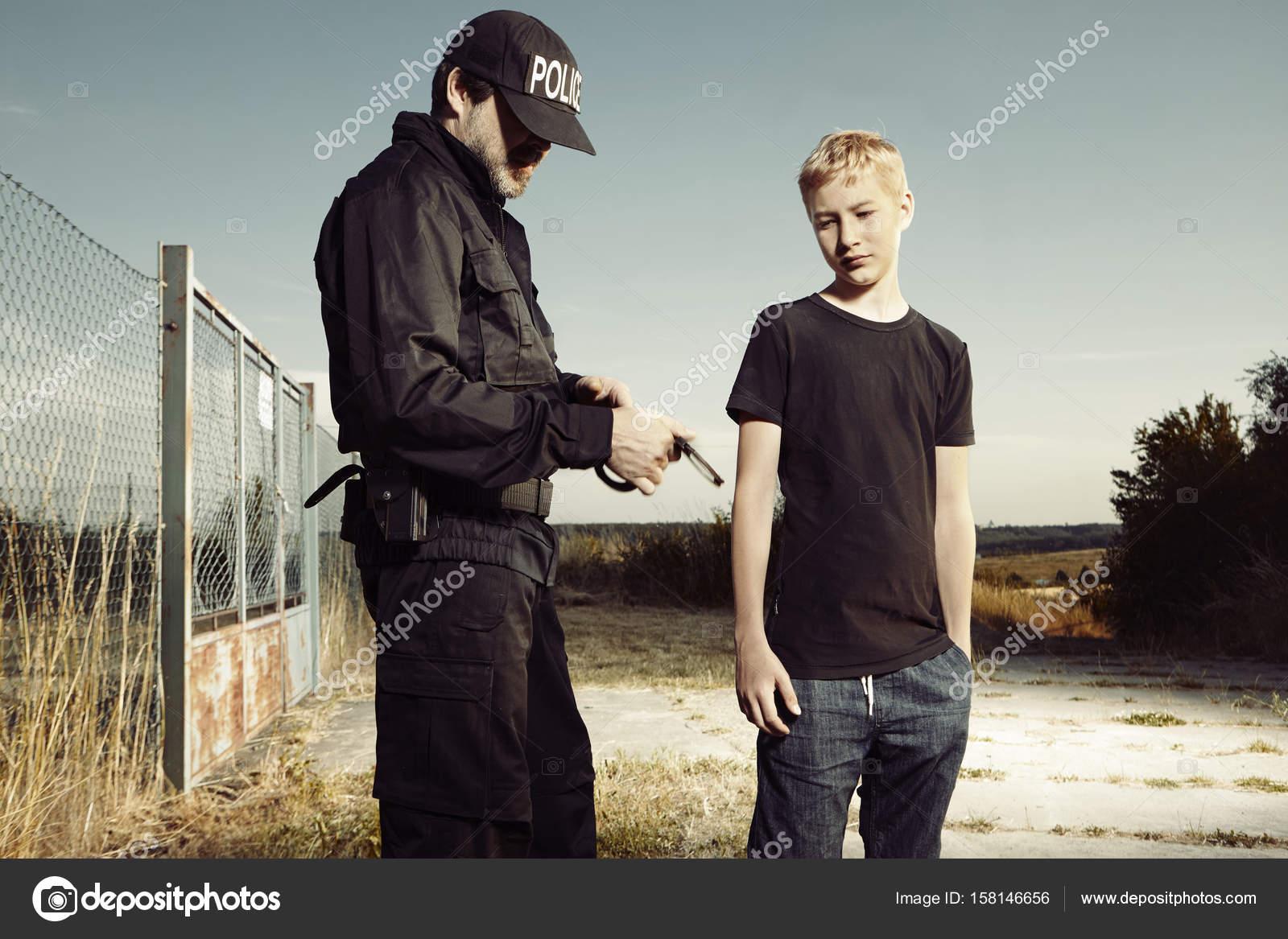 Zdarma policejní důstojník seznamka