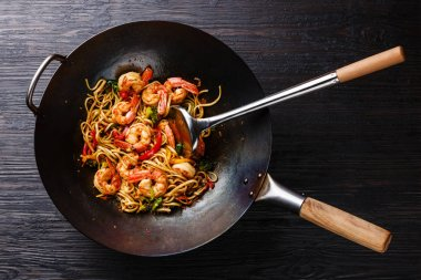 Udon stir-fry noodles with shrimp