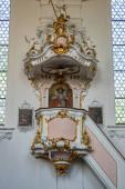 Pfarrkirche heiliger john zu wessobrunn bei weilheim in bayern, deutschland