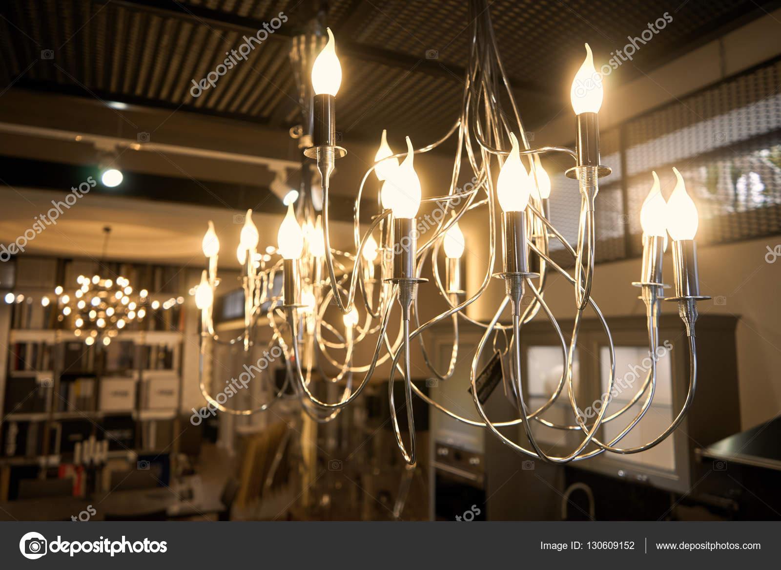 Lampadario luci soggiorno — Foto Stock © Himchenko #130609152