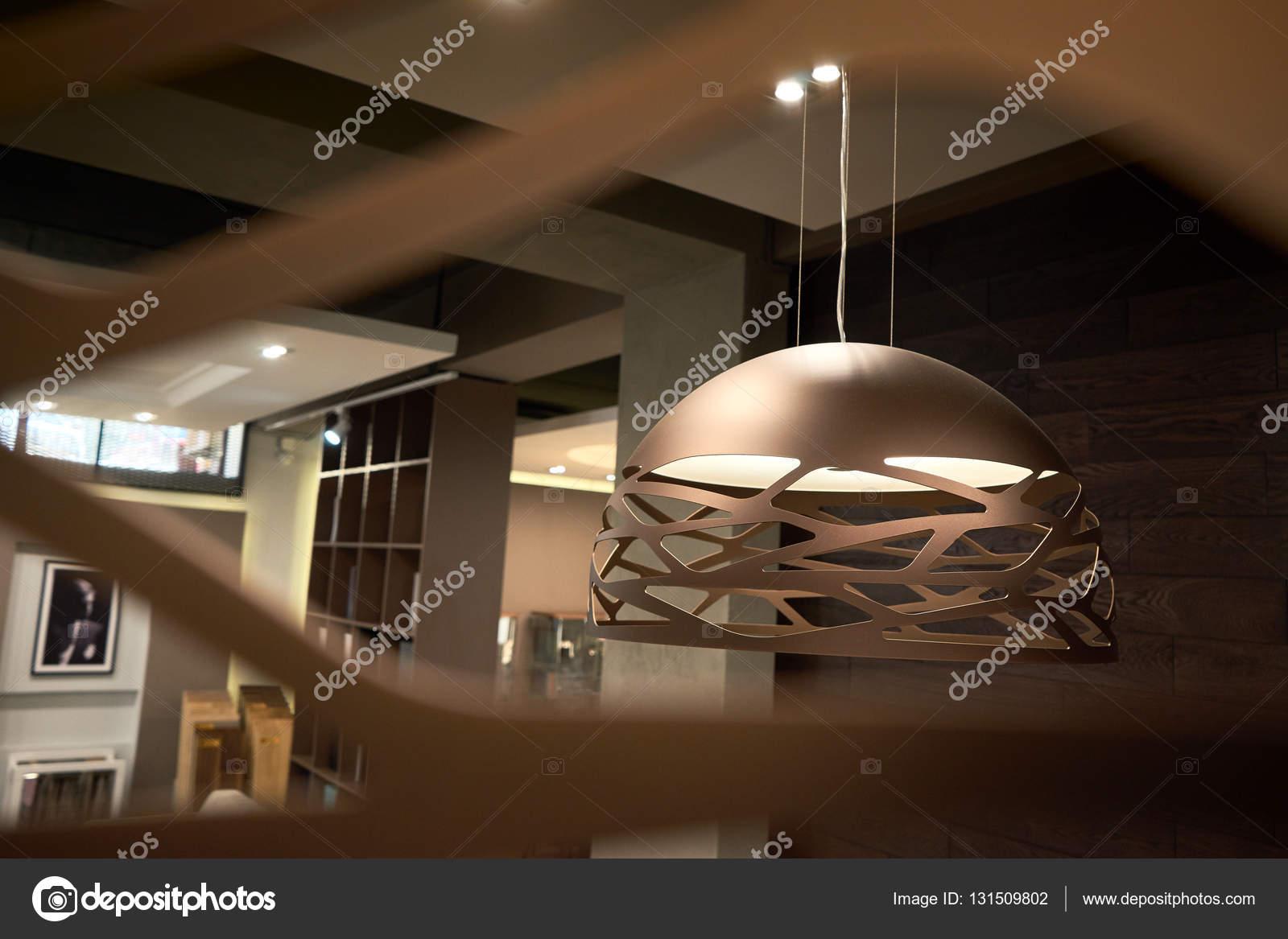Lampadario luci soggiorno — Foto Stock © Himchenko #131509802