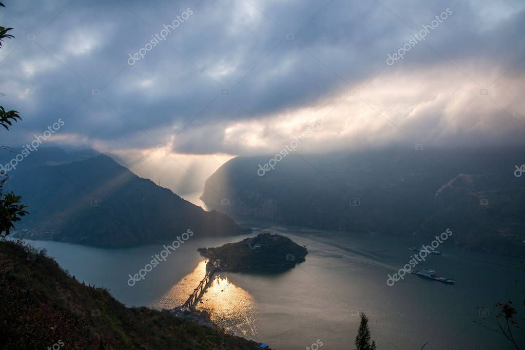 Yangtze River Three Gorges Qutangxia Kui door