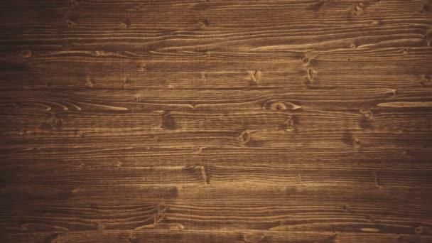 Nahaufnahme einer Wand aus Holzbohlen. 4k.