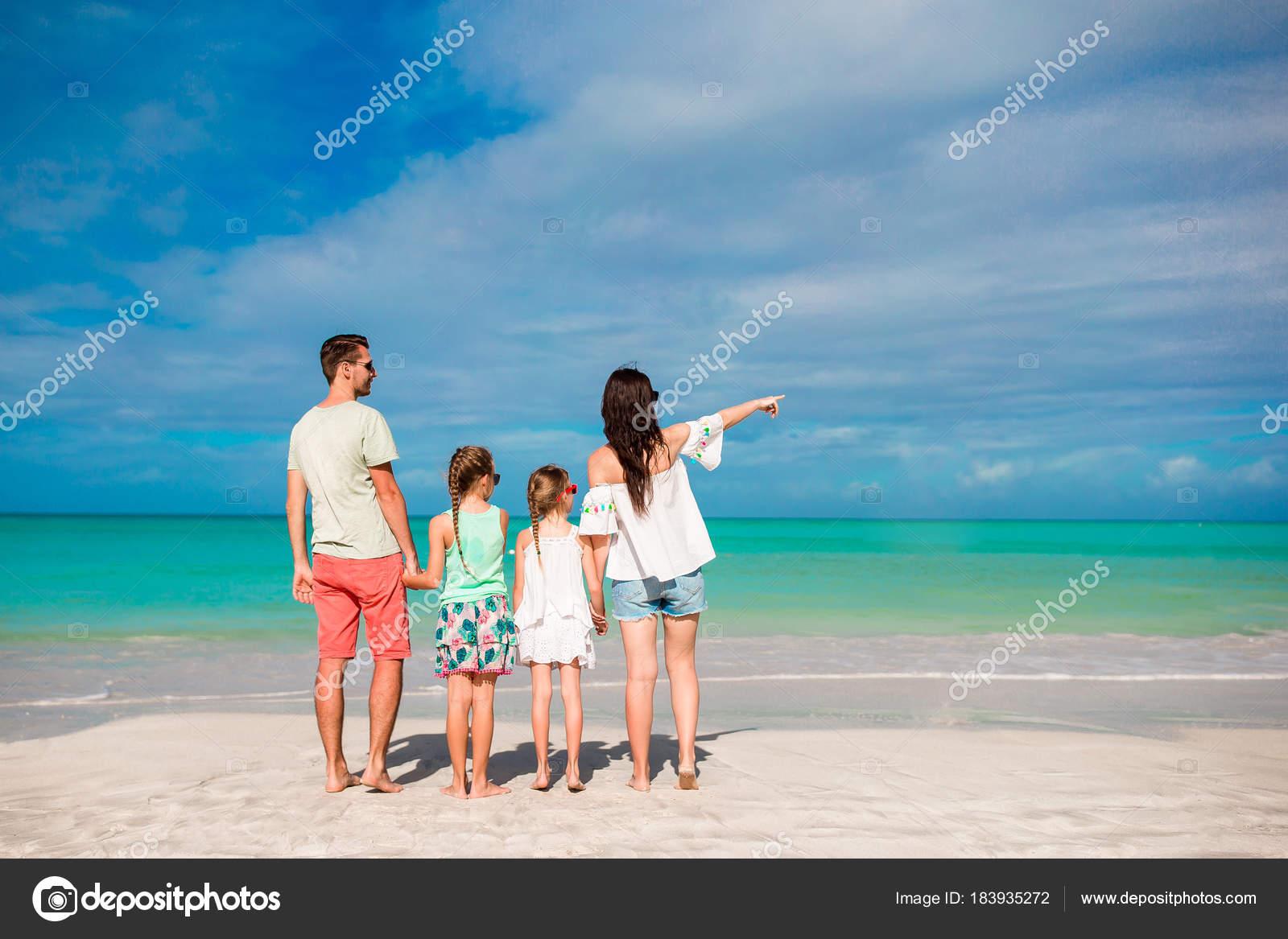 Красивое фото детей сзади