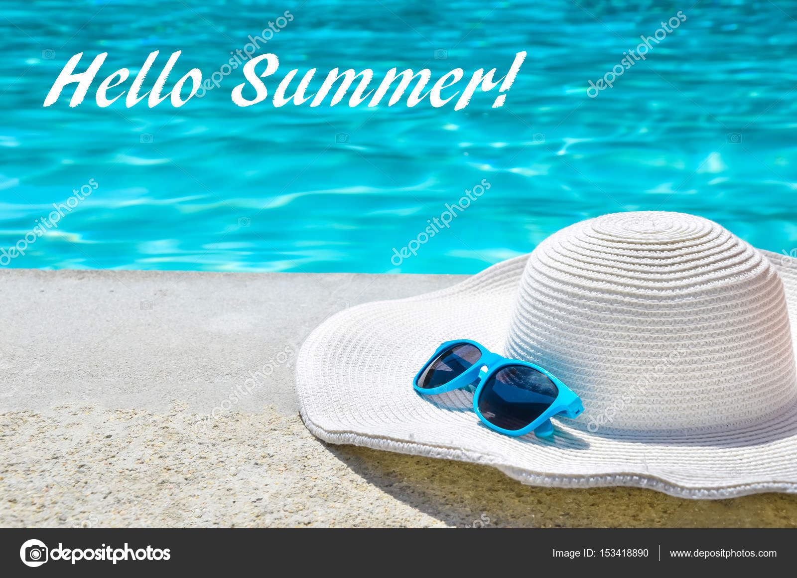 891e8ef35ac Hello Summer background with hat and sunglasses near the pool — Stock Photo