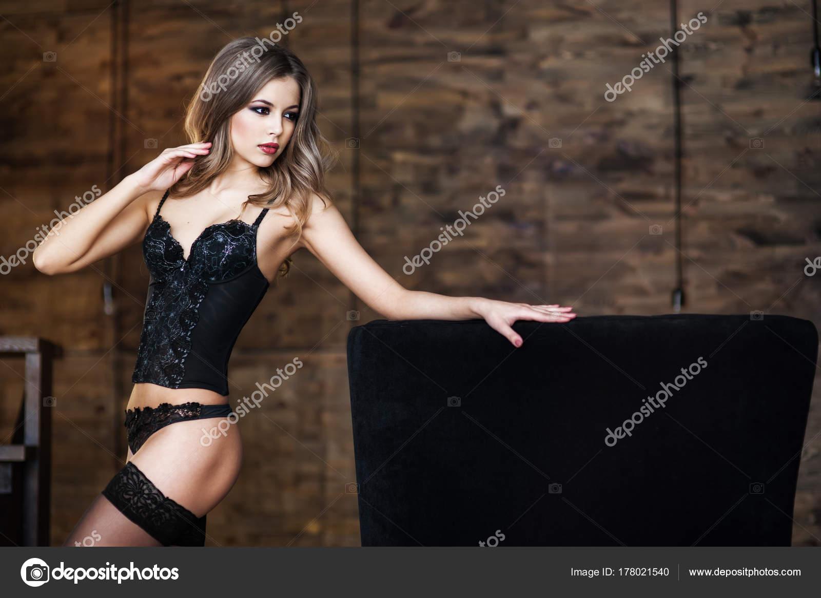 manžel a manželka mají anální sex