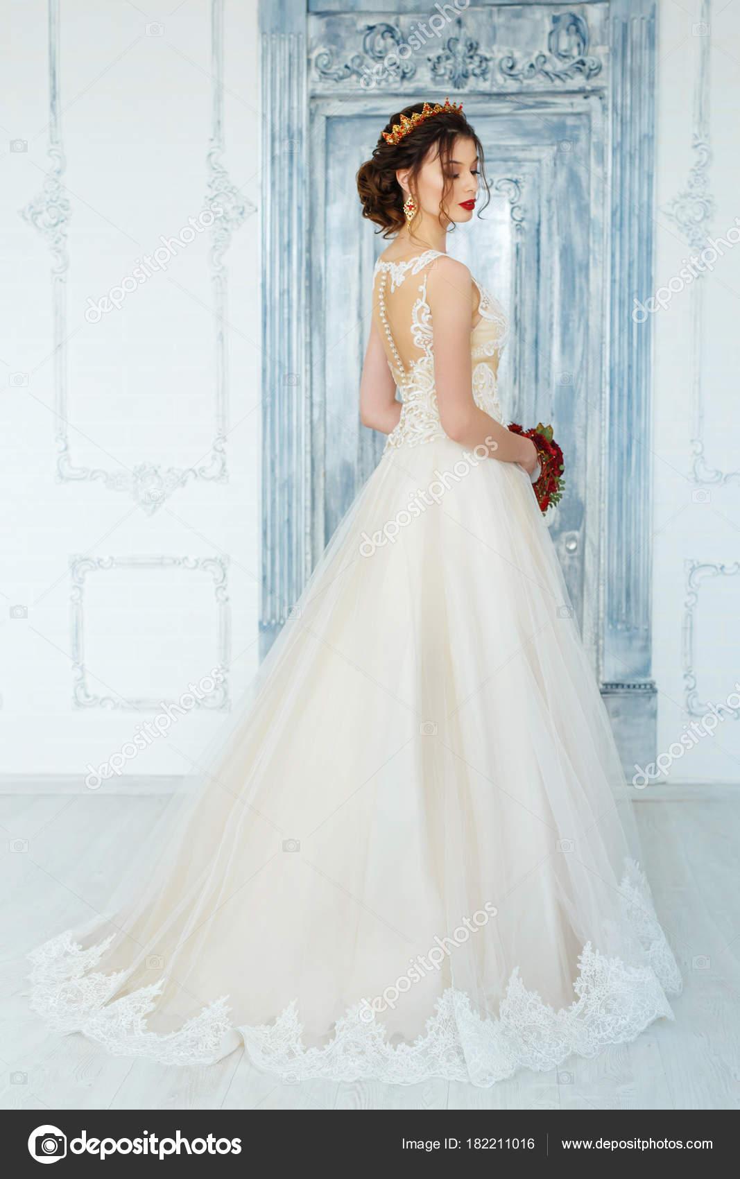 Vestidos boda mujer joven