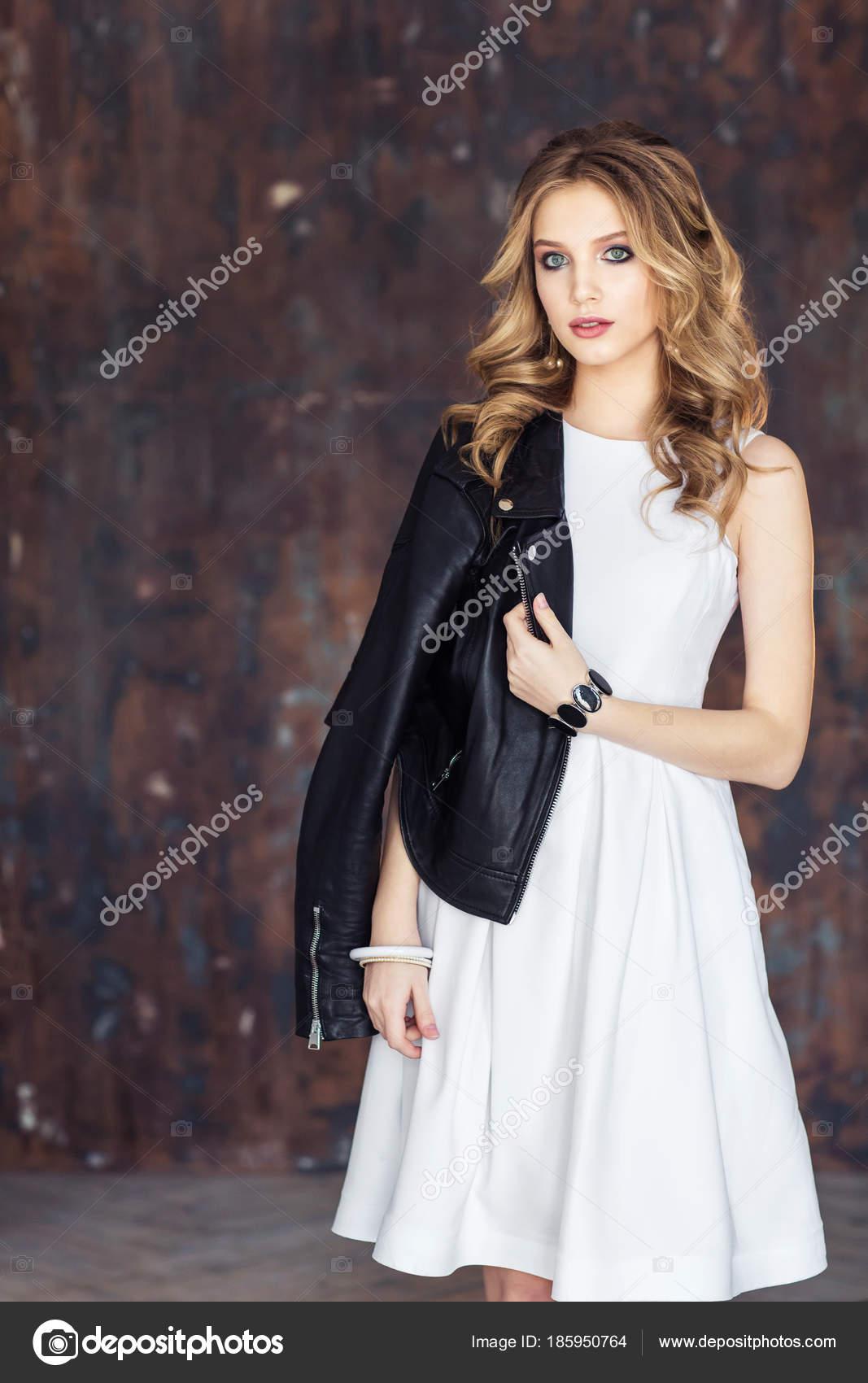 Vestido blanco con chaqueta