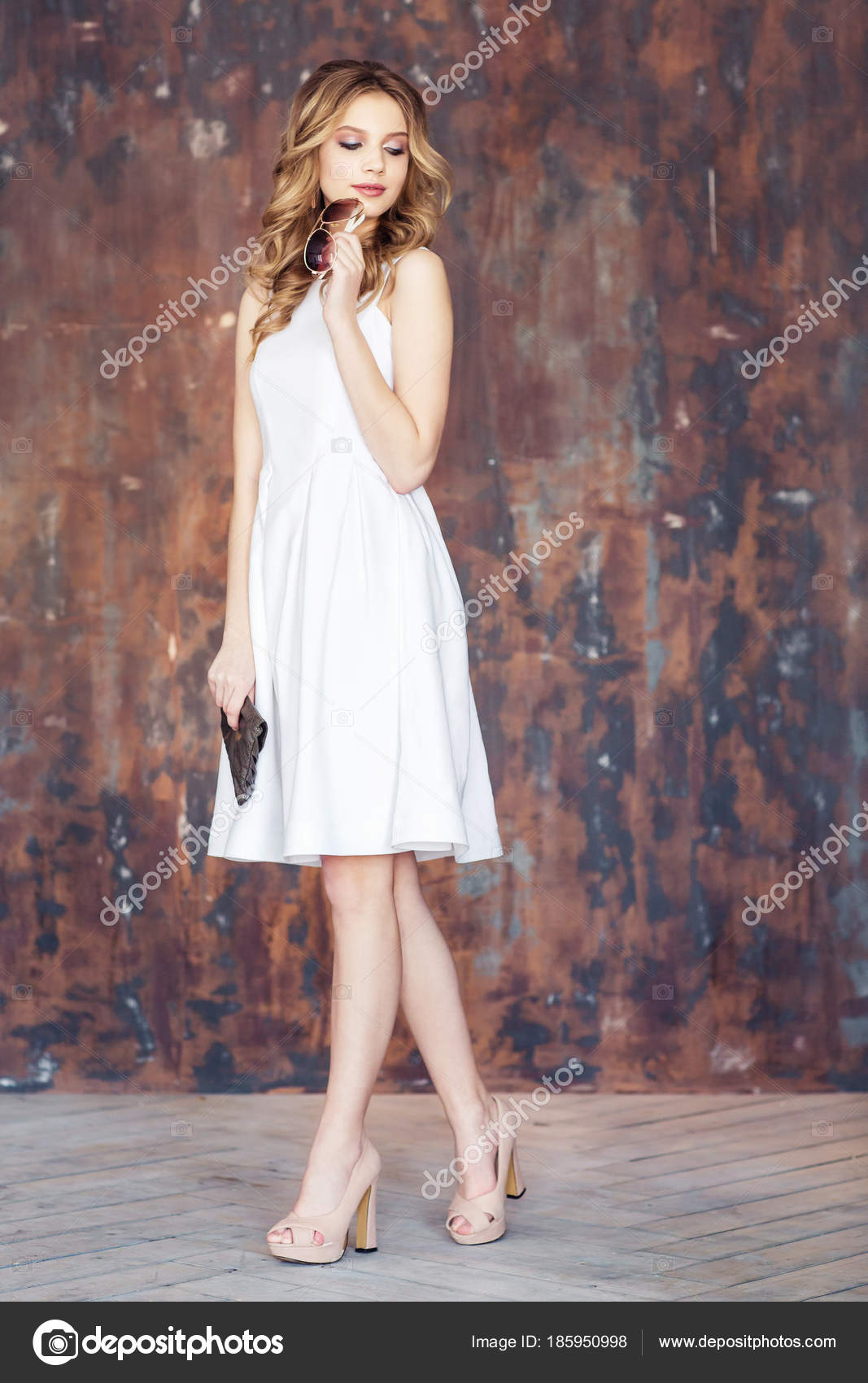 50eab793f Young Blonde Woman Wearing White Dress Beige High Heeled Shoes — Stock Photo