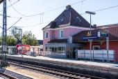 Gemeinde Germering, Landkreis Fürstenfeldbruck, Oberbayern, Deutschland: Hauptgebäude Bahnhof Germering-Unterpfaffenhofen
