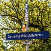 Fotografie Gemeinde Germering, Landkreis Fürstenfeldbruck, Oberbayern, Deutschland: Schild des s-bahnhofs germering-unterpfaffenhofen
