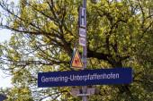 Fotografie Gemeinde Germering, Landkreis Fürstenfeldbruck, Oberbayern, Deutschland: Schild des Germeringer Hauptbahnhofs, Linie S8 der S-Bahn München