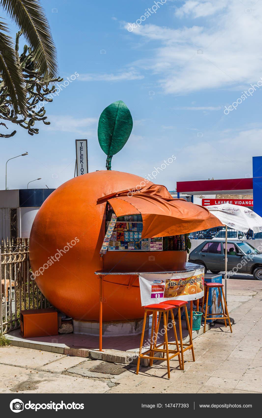 715f0242bb Barraca de suco de laranja — Fotografia de Stock Editorial ...
