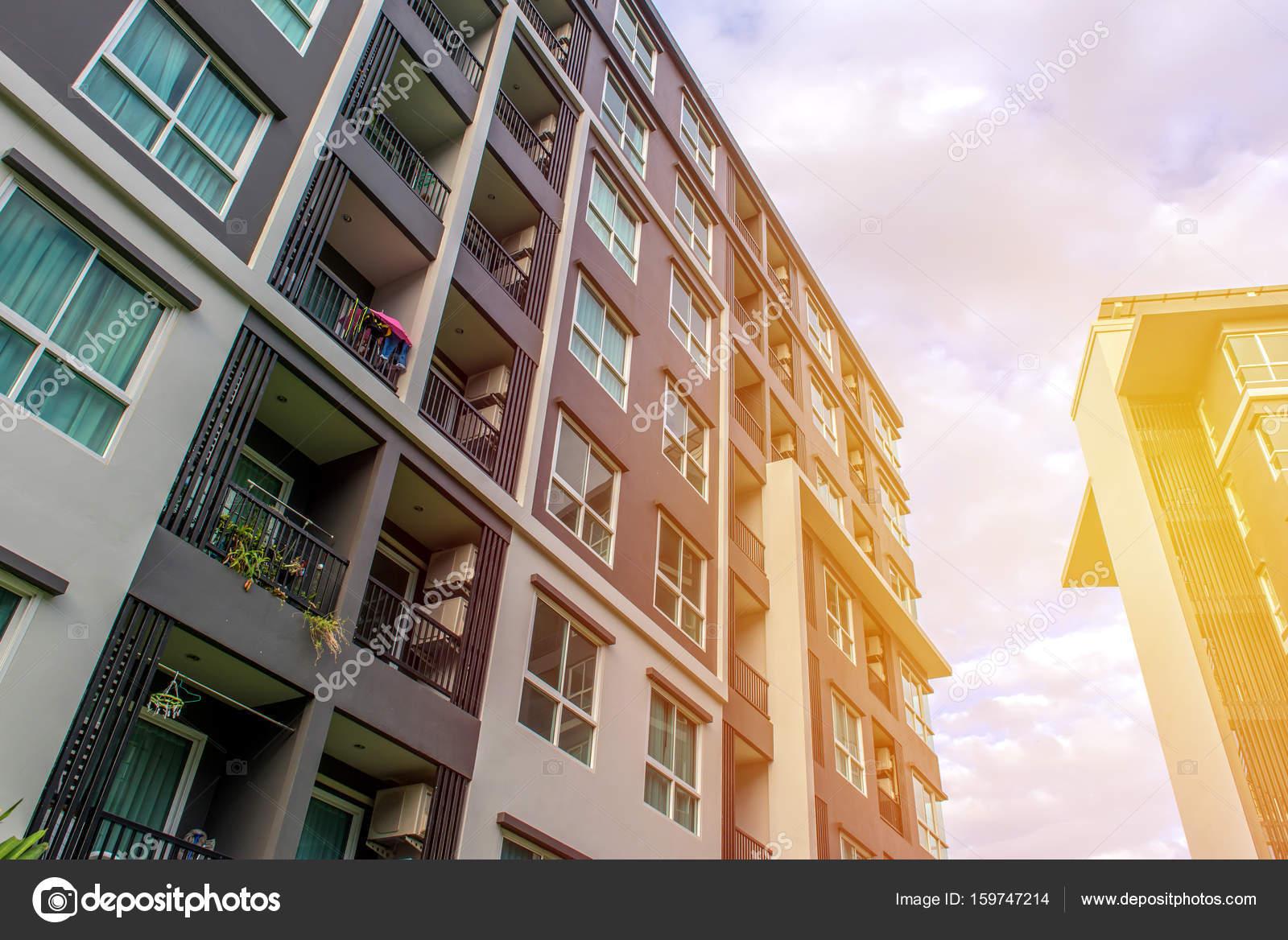 Moderne Wohnanlagen Außenbereich oder zeitgenössische Architektur ...