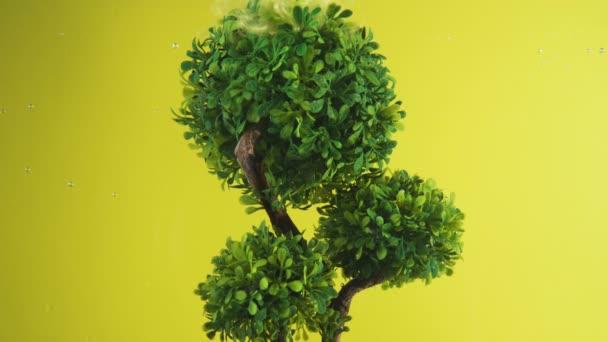 Fantazie pozadí. Strom života šířící vílí zlatý prach z listů