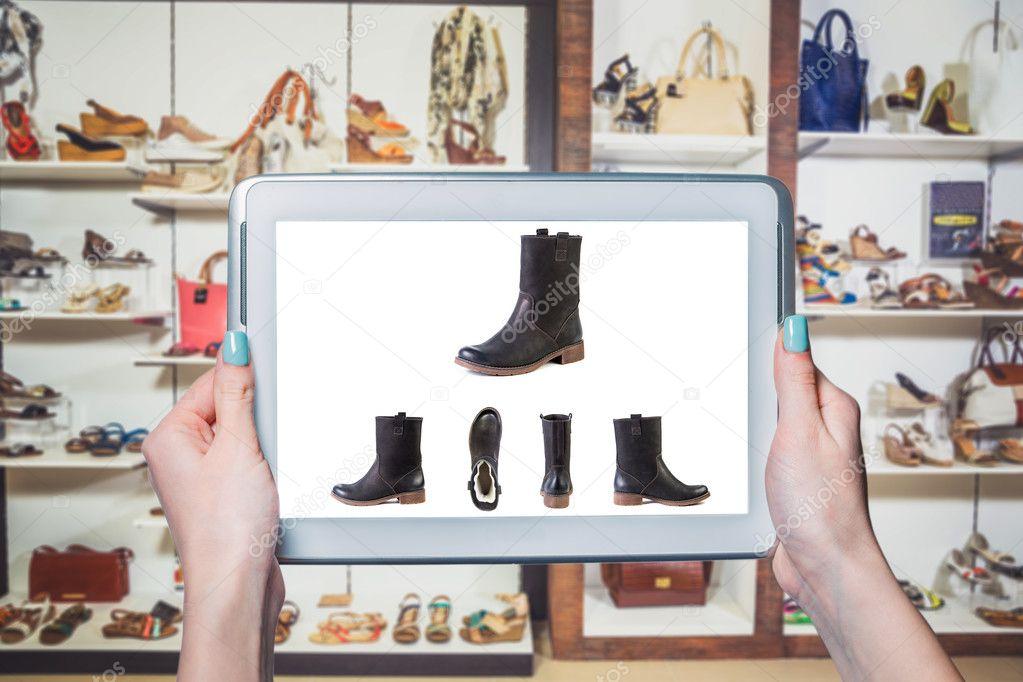 4a85df3c03 Vendas on-line da loja de calçados online — Fotografia de Stock