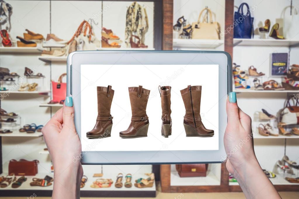 Женская обувь продажа онлайн — Стоковое фото © SergANTstar  128077588 421435a3e9f36