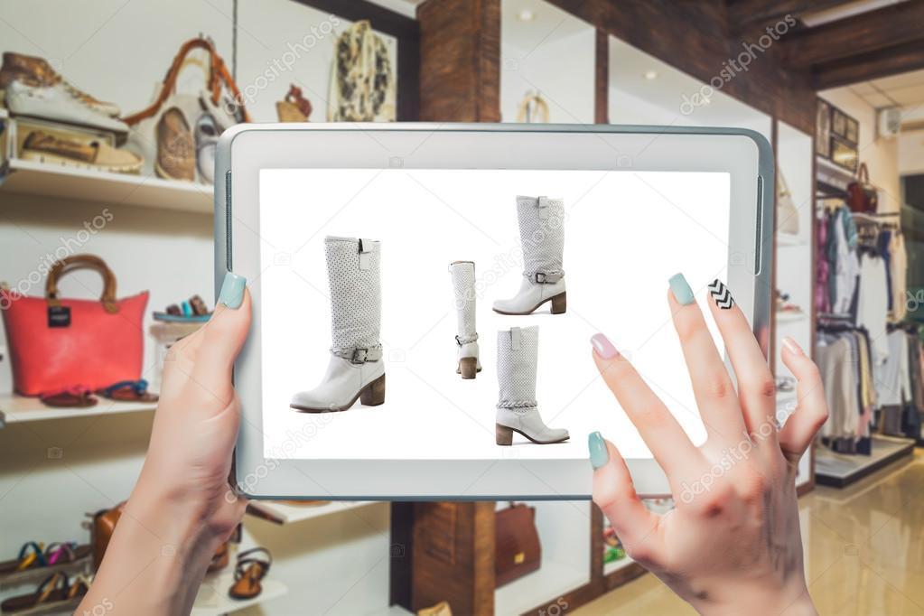 d277b71210 Γυναικεία παπούτσια online πώληση — Φωτογραφία Αρχείου © SergANTstar ...