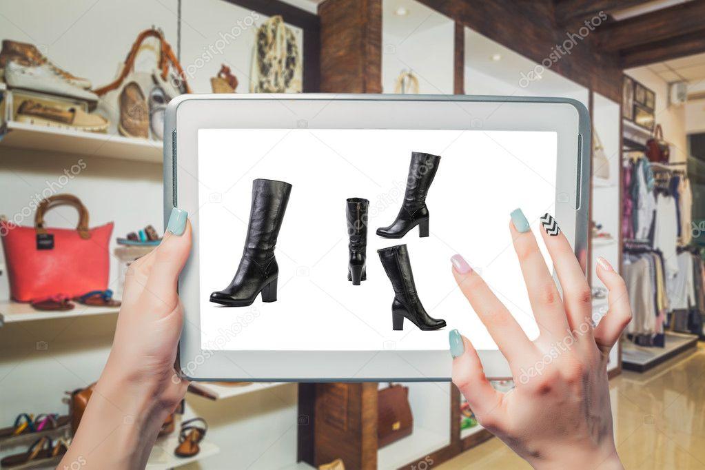 ea51aff4d Vendas on-line da loja de calçados online — Fotografia de Stock