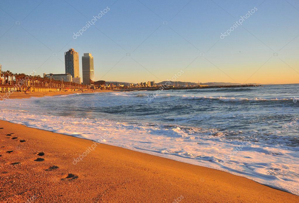 Blick Auf Den Strand Von Barcelona Stockfoto C Krasnevsky 126766724