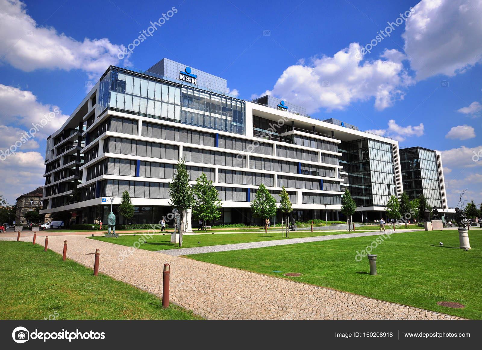 Ufficio K : Ufficio k h banca edificio nel quartiere d affari di budapest