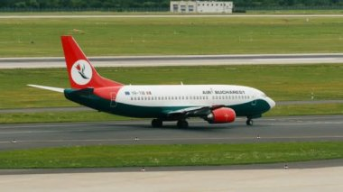 Boeing 737 of Air Bucharest taxiing