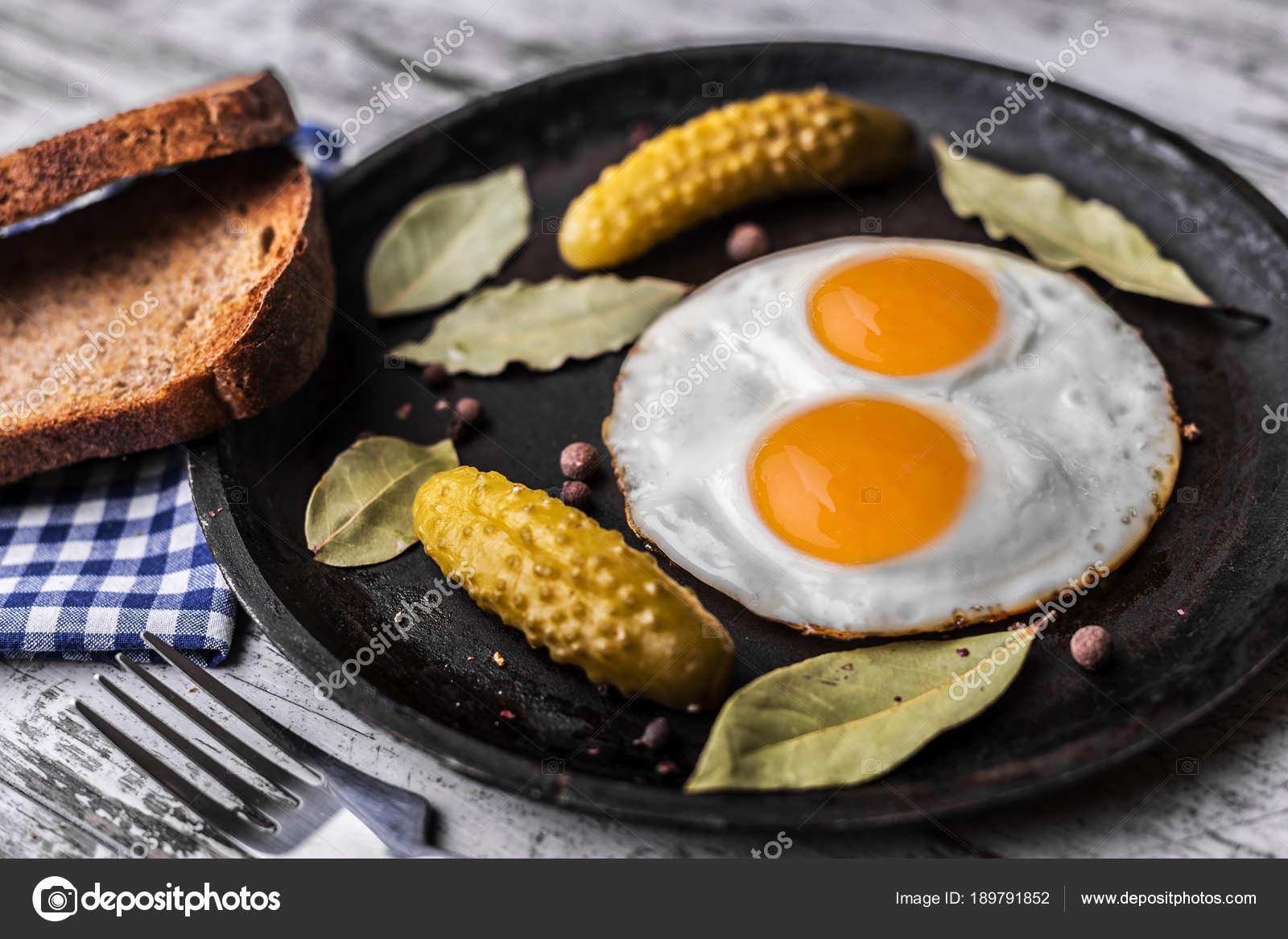 Tavada Kolay Yumurtalı Tost