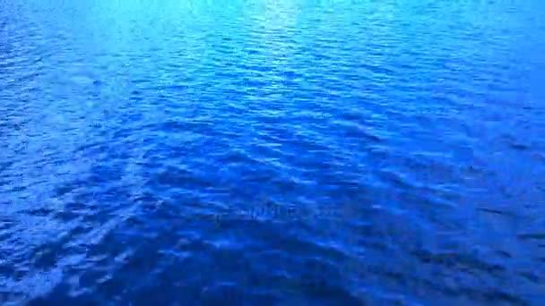 Kék víz csobogás egy háttér, a film hitelek nagy háttér. videóinak 4k