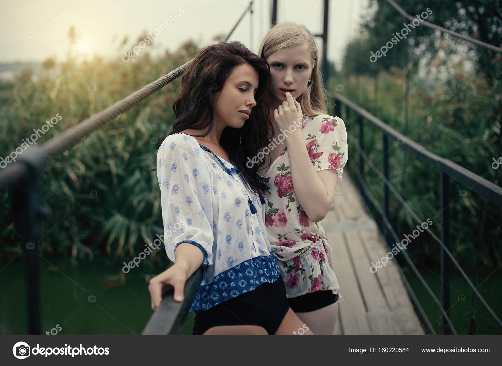 Blonde lesbische Fotos
