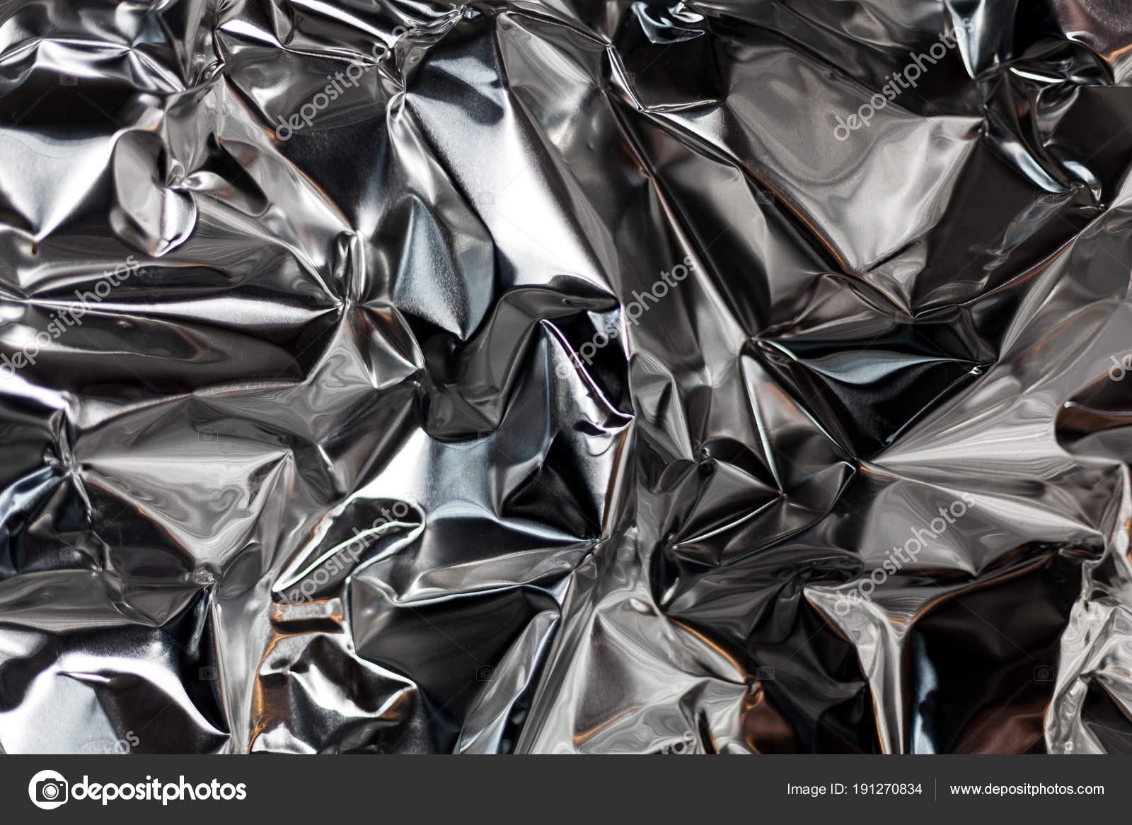 Tomar el marco completo de una hoja de papel de aluminio arrugado de ...